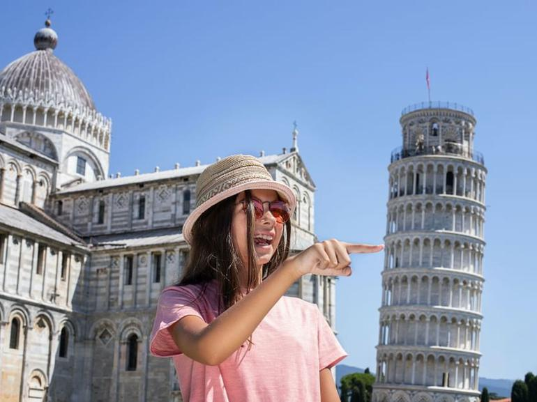 Private Full-Day Tour of Pisa San Gimignano and Siena from Florence