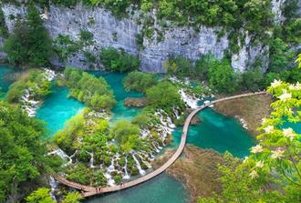 Transfer from Zagreb to Split via Plitvice Lakes Tour