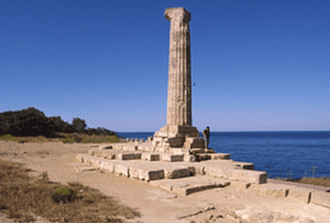 Castles and Greek myths: from Crotone to Isola Capo Rizzuto