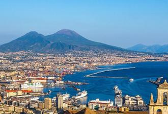 Naples Semi private Welcome walking tour & Underground Ruins