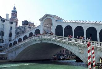 """Lakes and Lagoon"" Como, lake Garda, Venice - Private tour"
